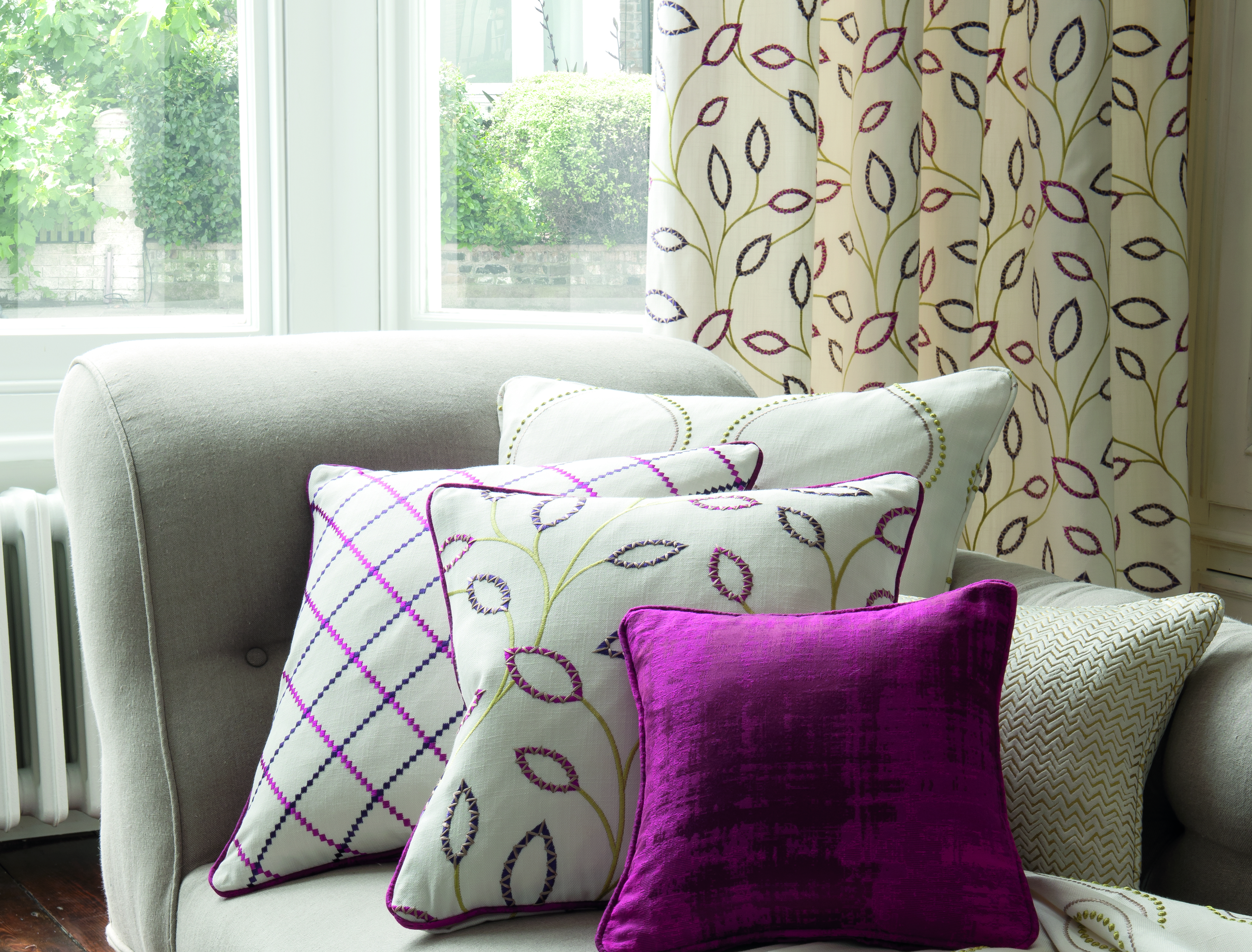 COORDINATED CUSHIONS AND ACCESSORIES