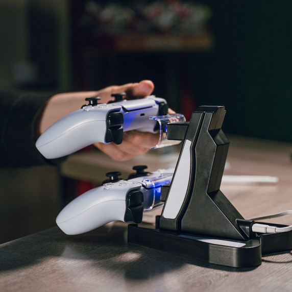 ps5-charger-02.jpg