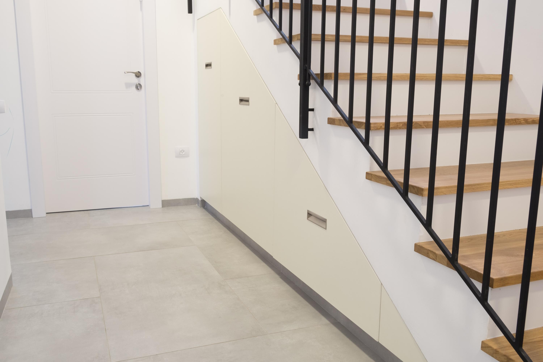 ארון מדרגות