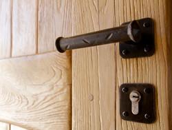 דלת עץ מסיבית 3