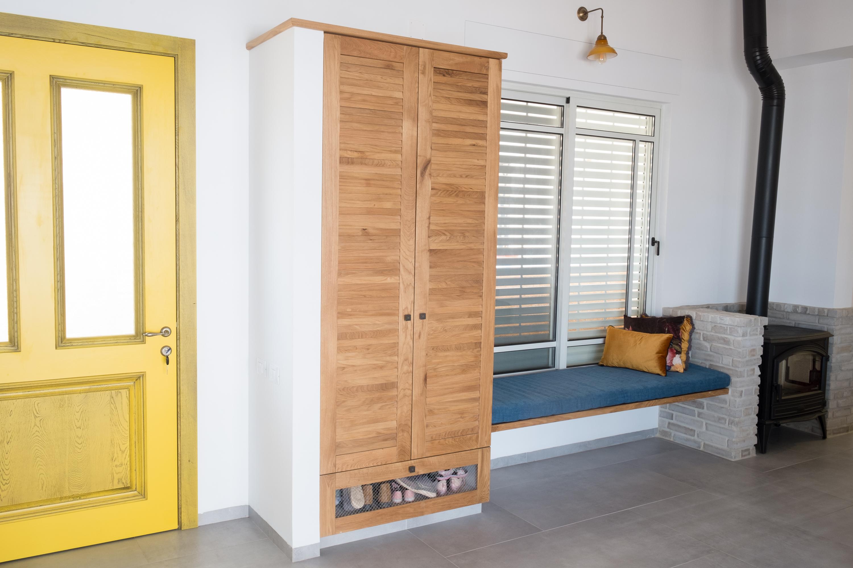 ארון דלת תריס