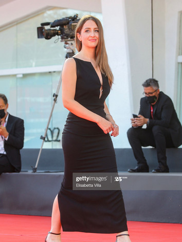Camilla Bellini Red Carpet Venezia 77.jp