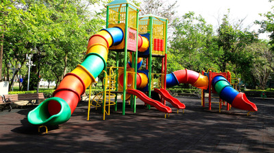 twin-toddler-playground-safety-2160X1200-1.jpeg