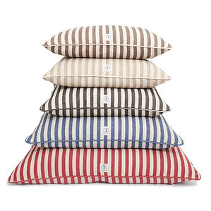 VintageStripe_DogBed_aba216a5-81e3-4c38-