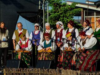 """Tarptautinis folkloro festivalis """"Tek saulužė ant maračių"""" Nidoje"""