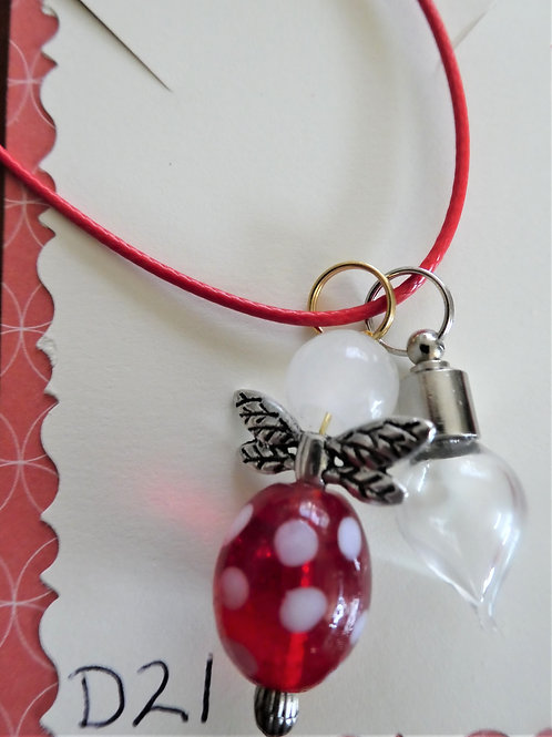D21_Aromatherapy Necklace