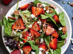 Çilekli Ispanak Salatası