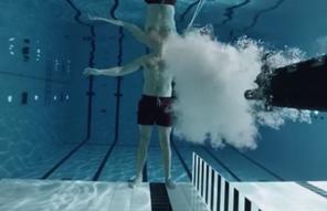 Физик выстрелил в себя под водой ради эксперимента