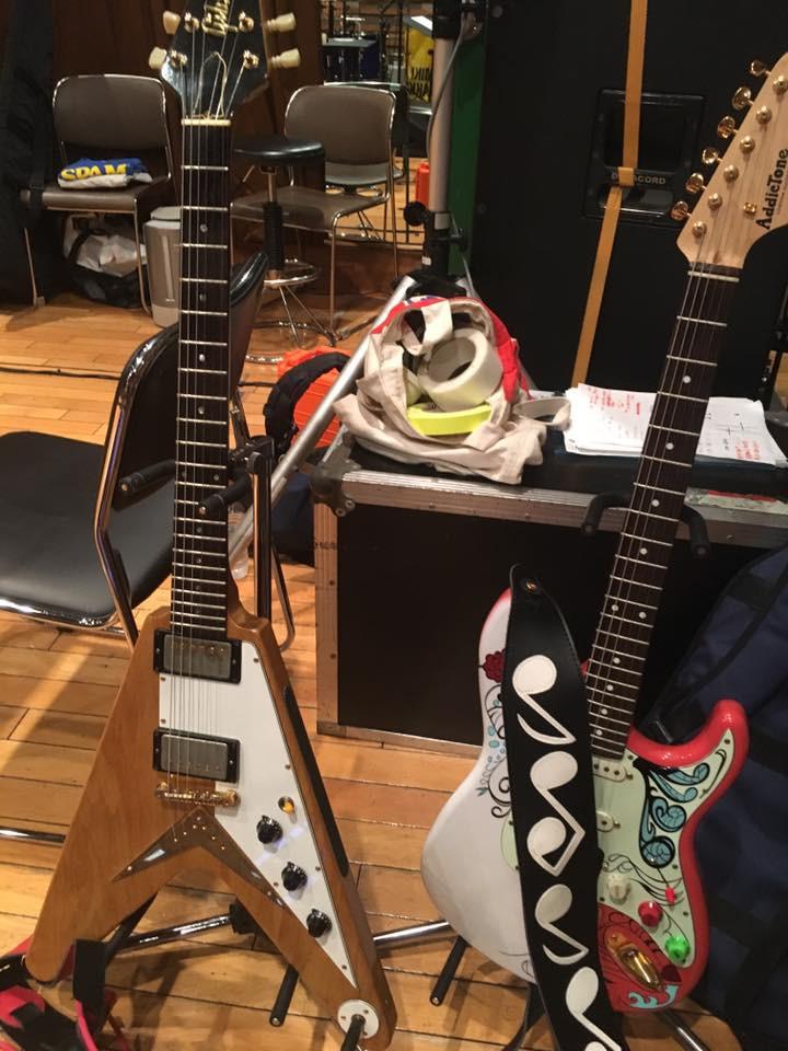 久次米真吾 ギター
