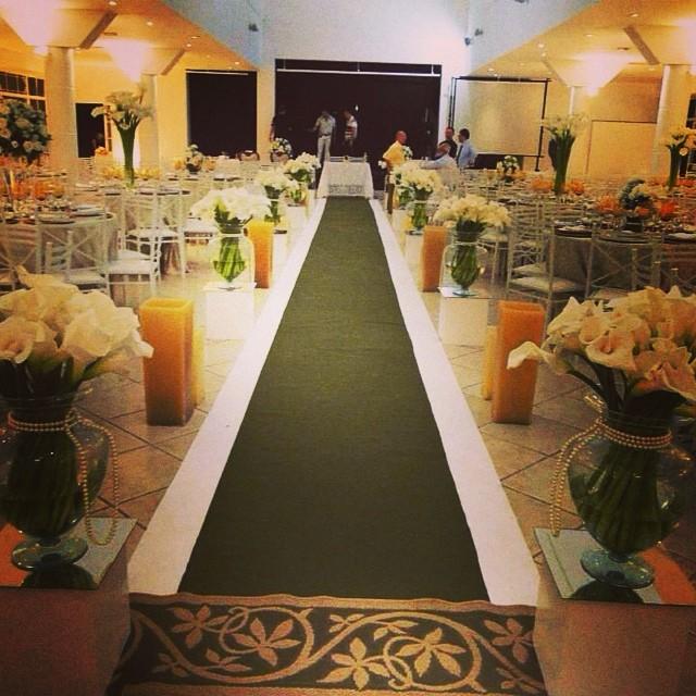 #izaanjos #casamento #noivas #corredodecerimonia #recanto millenium #festas #tendencias