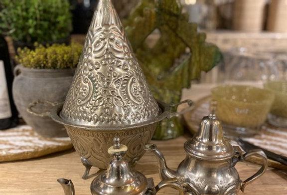 alte Tajine für Hochzeitspaare
