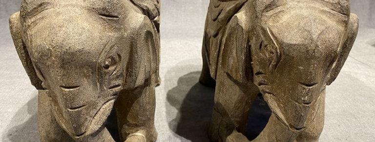 Elefantenpaar  Stein