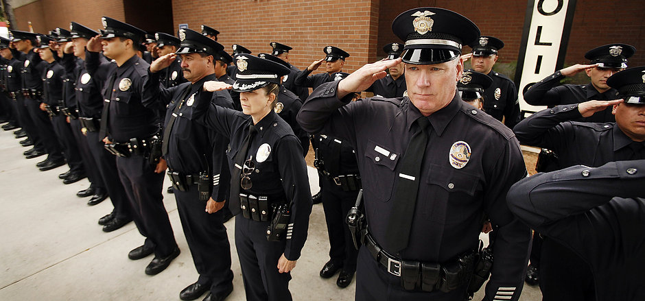 la-star-for-fallen-lapd-officer-pictures.jpg