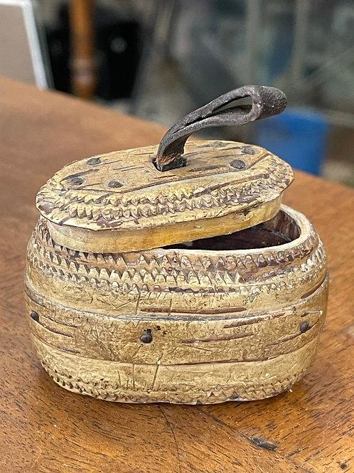 Tabatière en cuir et bois