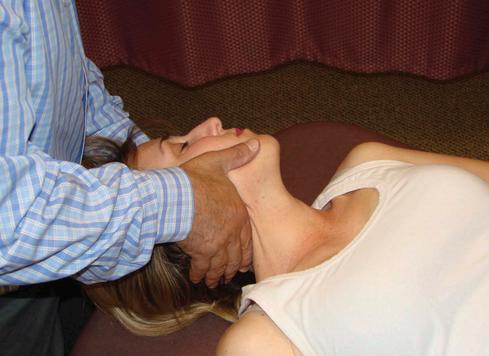 Efeitos imediatos da manipulação cervical, na dor e marcadores bioquímicos em mulheres  com dor agud