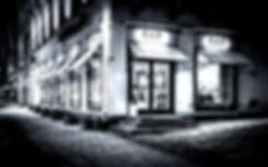 restaurant-2438758_1920_edited.jpg