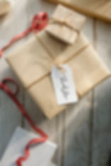 present-box-with-label-tag_53876-42946.j