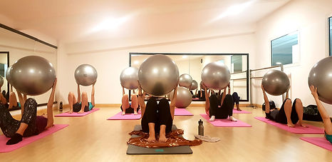 Elsa Pilates Yoga Saint Pierre Ballon.jp