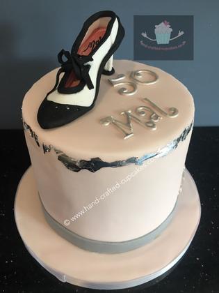 FC-160-Black-White-Shoe-Fashion-Cake