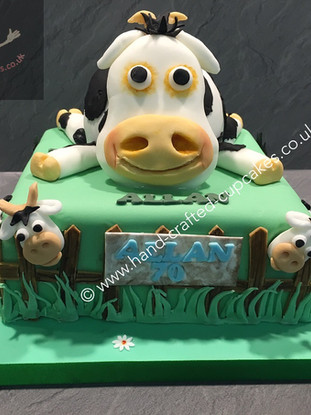 MBC-310-Cow-Farmers-Cake