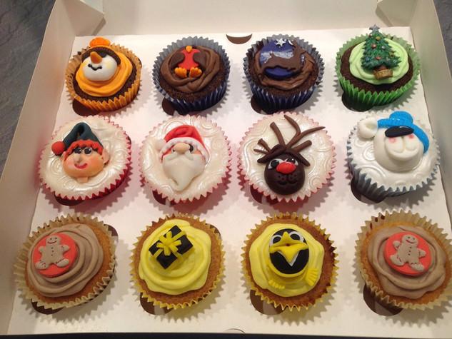 CVE-170-Christmas-Cupcakes