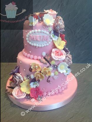 WBC-250-Flower-Cascade-Cake