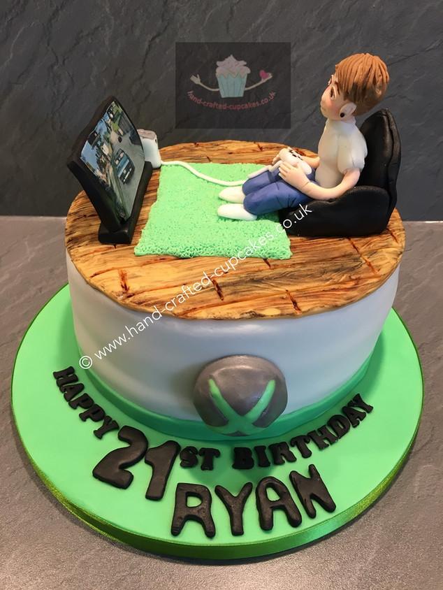 SHC-390-Playing-Xbox-Cake