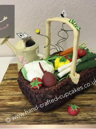 WC-290-Gardening-Wedding-Cake