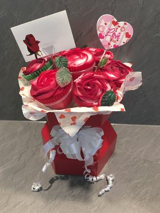CCB-220-Valentine-Cupcake-Bouquet