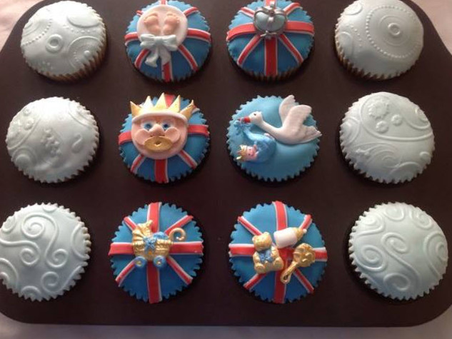 CVE-260-Royal-Baby-Cupcakes