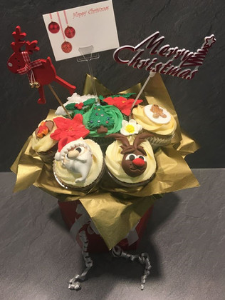 CCB-180-Christmas-Cupcake-Bouquet
