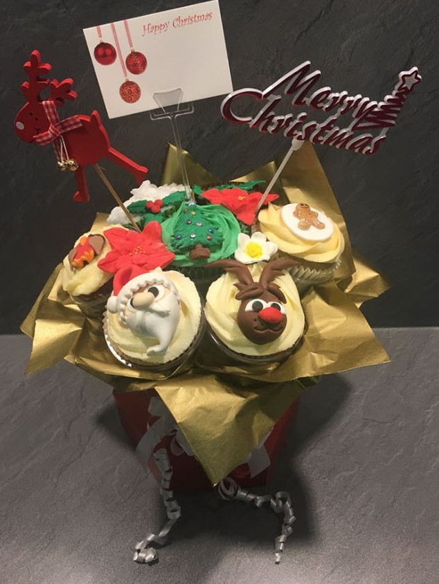 CCB-180-Christmas-Cupcake-Bouquet