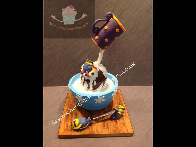 CVE-410-Minions-EACH-Charity-Cake