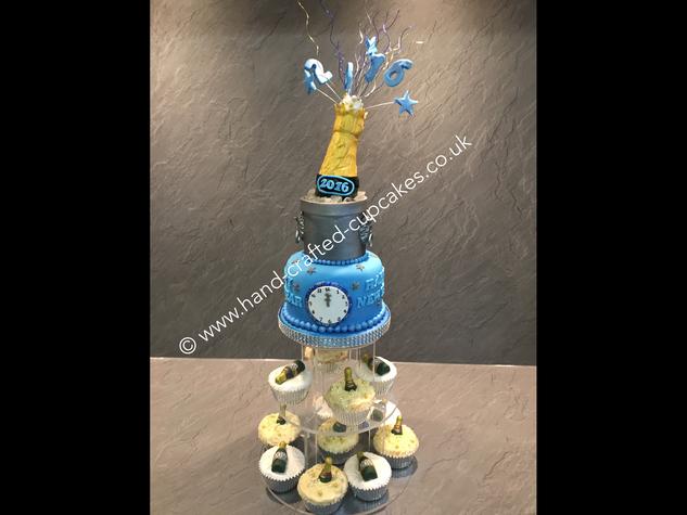 CVE-150-Happy-New-Year-Cupcakes