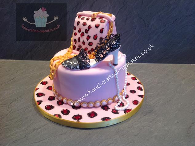 CVE-290-Macmillan-Shoe-Hnadbag-Charity-Cake