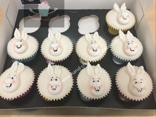 CVE-210-Easter-Bunny-Cupcakes