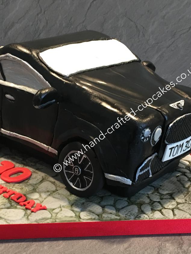 SHC-330-Bentley-Cake