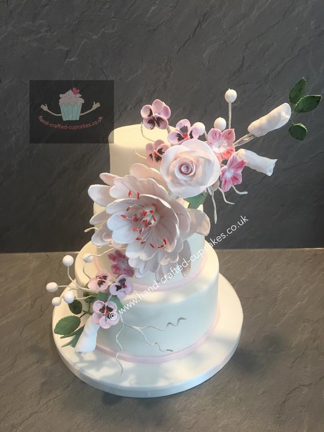 WC-190-White-Flower-Wedding-Cake