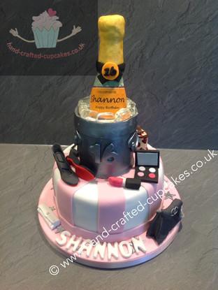 TYA-150-Champange-Bucket-Cake