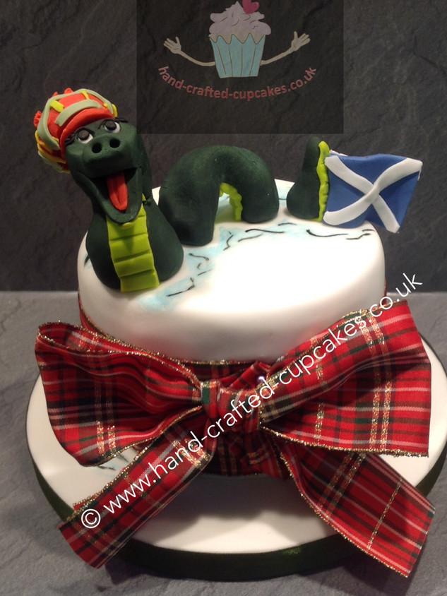 TAC-240-Scotland-Loch-Ness-Cake