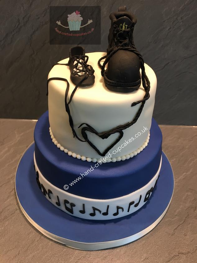 WC-330-Perfect-Pair-Wedding-Cake