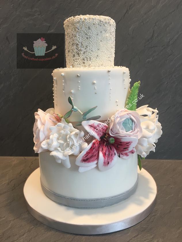 FDC-230-White-Rose-Cake