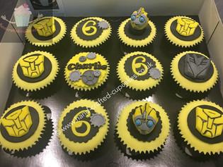BBC-160-Bumblebee-Transformers-Cupcakes