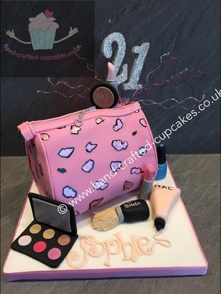 FC-180-Pink-Makeup-Bag-Cake