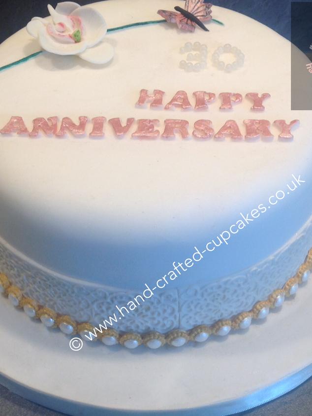 AC-150-White-Anniversary-Cake