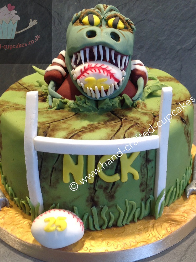 MBC-270-TRex-Rugby-Cake