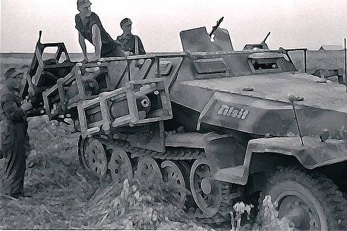 Italeri 1/72 Sd.Kfz.251/1 Wurfrahmen 40 Stuka zu Fuss - 7080