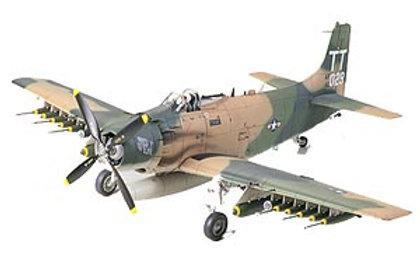 Tamiya 1/48 Douglas A-1J Skyraider U.S. Air Force - 61073
