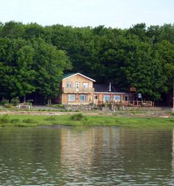Chalet vue sur le fleuve