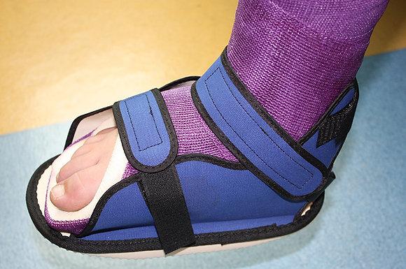 Cast Boot